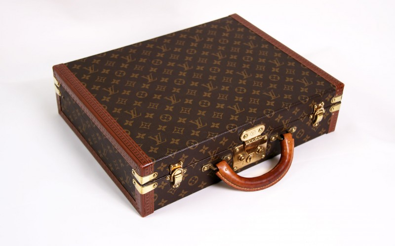 attache case louis vuitton pr sident d 39 occasion cuir marron. Black Bedroom Furniture Sets. Home Design Ideas