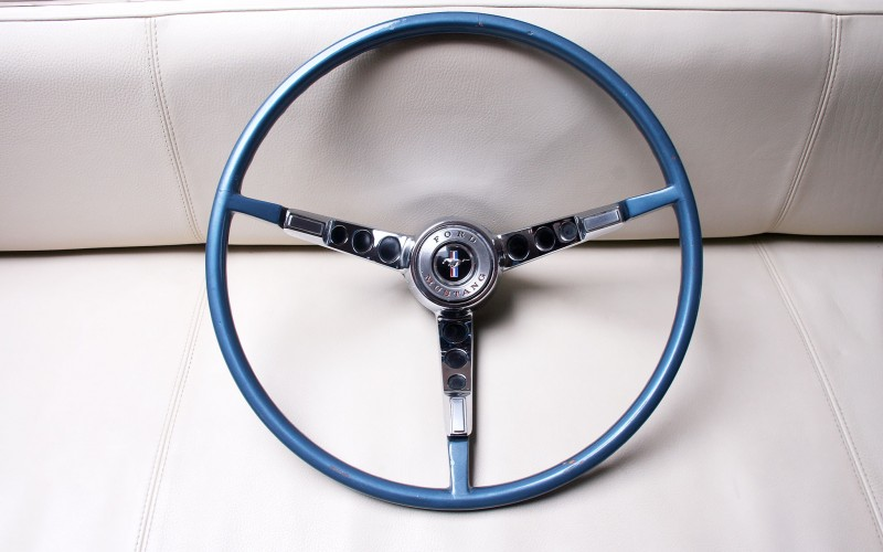 VOLANT FORD MUSTANG 1965