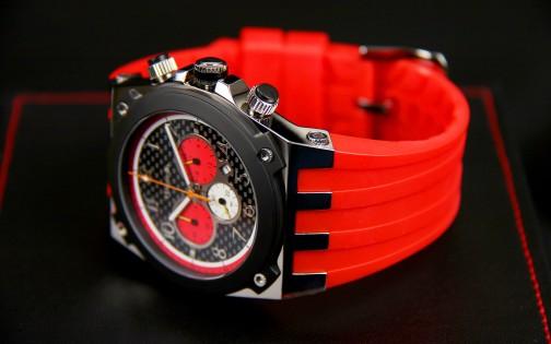 MARANELLO V8 QUARTZ CHRONOGRAPH RED